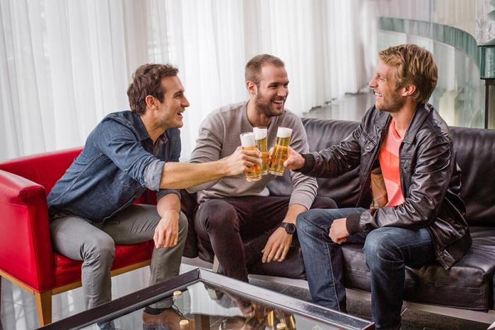 Darf Man Sich Wieder Mit Freunden Treffen